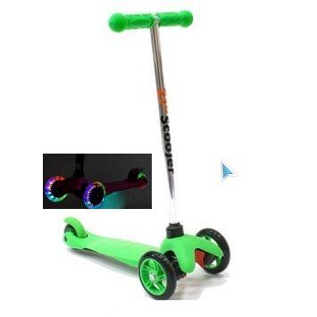 Трехколесный самокат 21st scooter mini со светящимися колесами 21vek зеленый