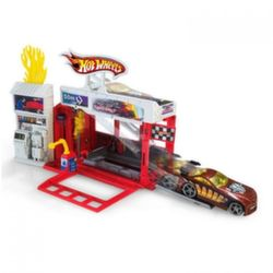 Хот Вилс Пожарная станция Hot Wheels Raceway Fire Station Play Set BGH94/BGT81