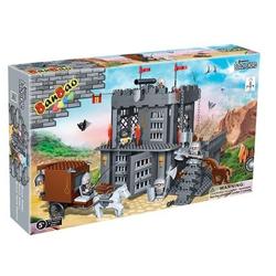Banbao конструктор Рыцарский замок 705 деталей 8261